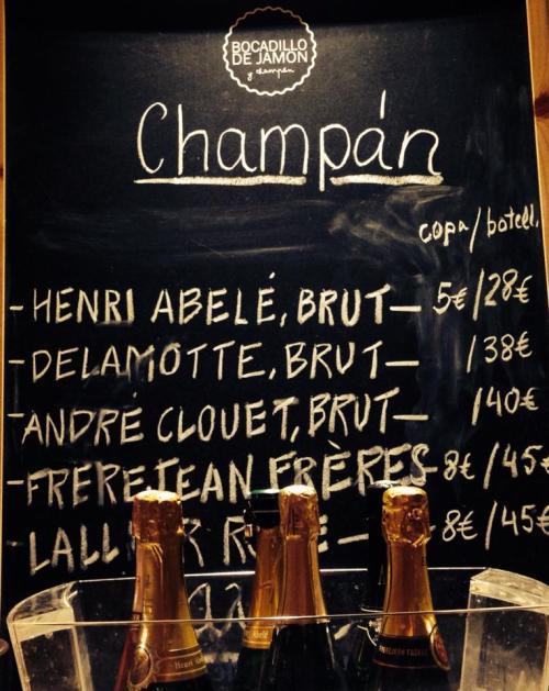 bocadillo-de-jamón-y-champagne-51